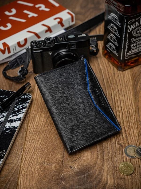 Мужской кожаный кошелек черно-синий 2060