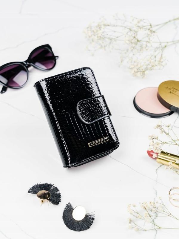 Жіночий шкіряний гаманець чорний 2088